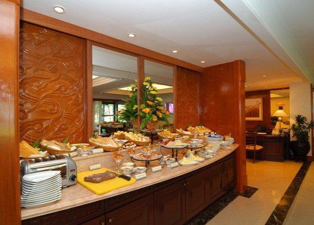property counter home restaurant buffet cuisine Island Bar