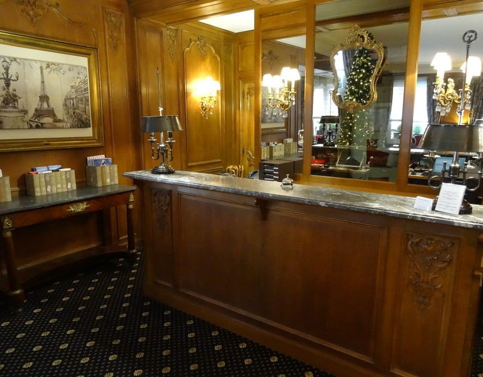 property cabinetry counter Bar Island