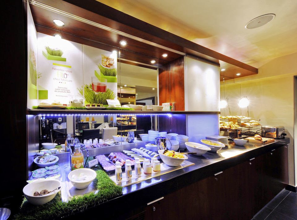 counter restaurant cuisine Bar function hall Island