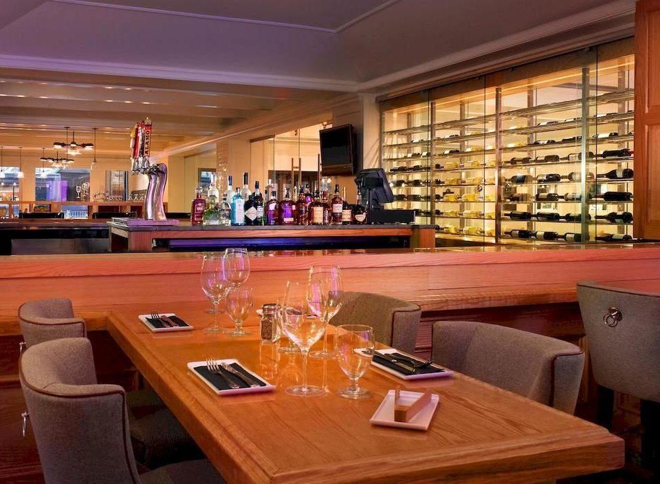 restaurant Bar function hall counter Island