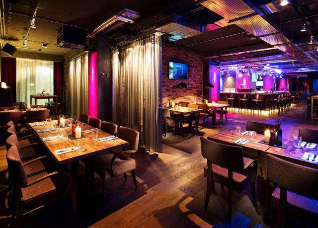 nightclub Bar function hall restaurant Island