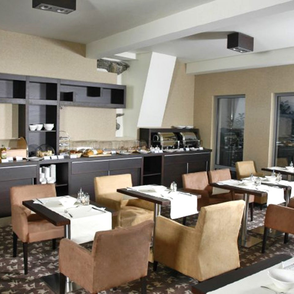 property Kitchen condominium living room restaurant appliance Bar Island