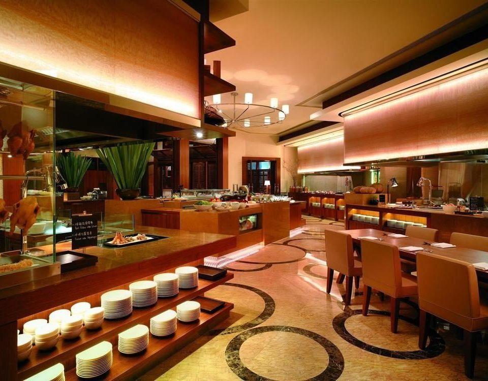 Kitchen restaurant Bar café function hall cafeteria recreation room counter Lobby food court fast food restaurant Island