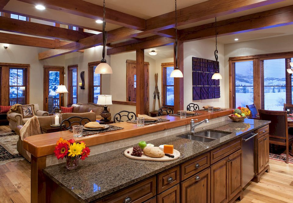 property recreation room Kitchen home cabinetry countertop counter cottage living room Island Modern Bar