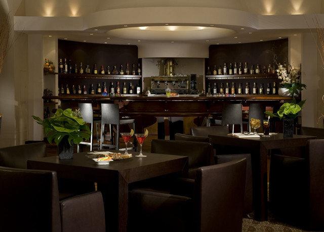 Kitchen Bar restaurant Island