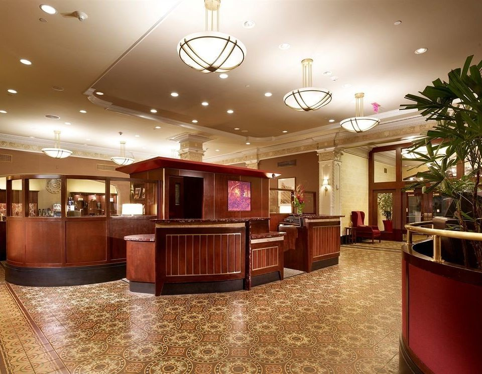 Lobby function hall restaurant Bar convention center Island