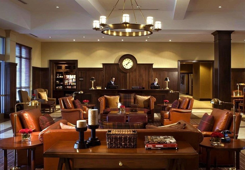 property restaurant recreation room living room Bar Lobby Island