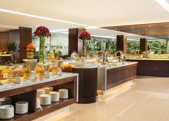 counter buffet floristry restaurant food Lobby cuisine Island Bar Modern