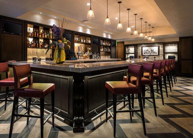 recreation room billiard room Bar restaurant function hall Lobby Resort Island dining table