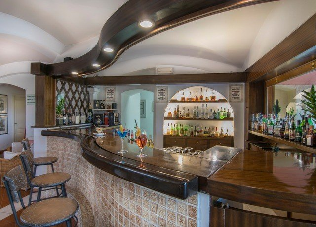 property Lobby restaurant Bar Resort recreation room Island