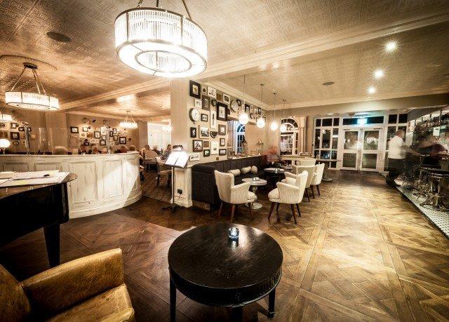 Lobby restaurant Bar Island