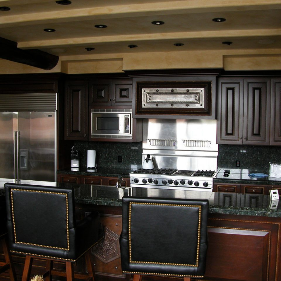 Kitchen property cabinetry home recreation room living room Bar appliance