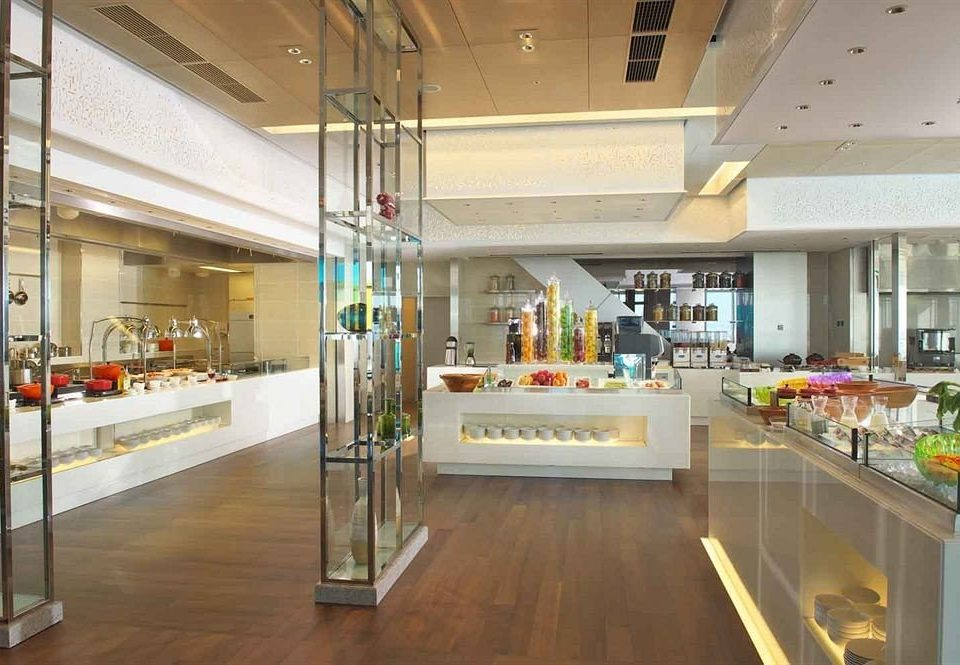 Kitchen Lobby building retail shopping mall counter cafeteria Bar appliance