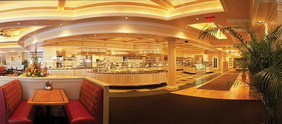 Lobby function hall restaurant convention center Bar retail shopping mall ballroom