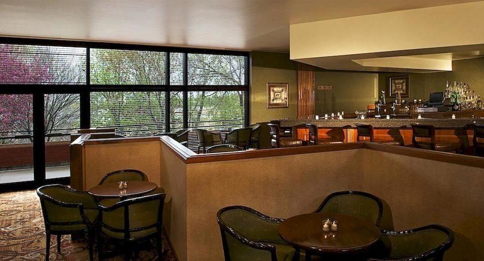 property building restaurant Bar Lobby condominium dining table