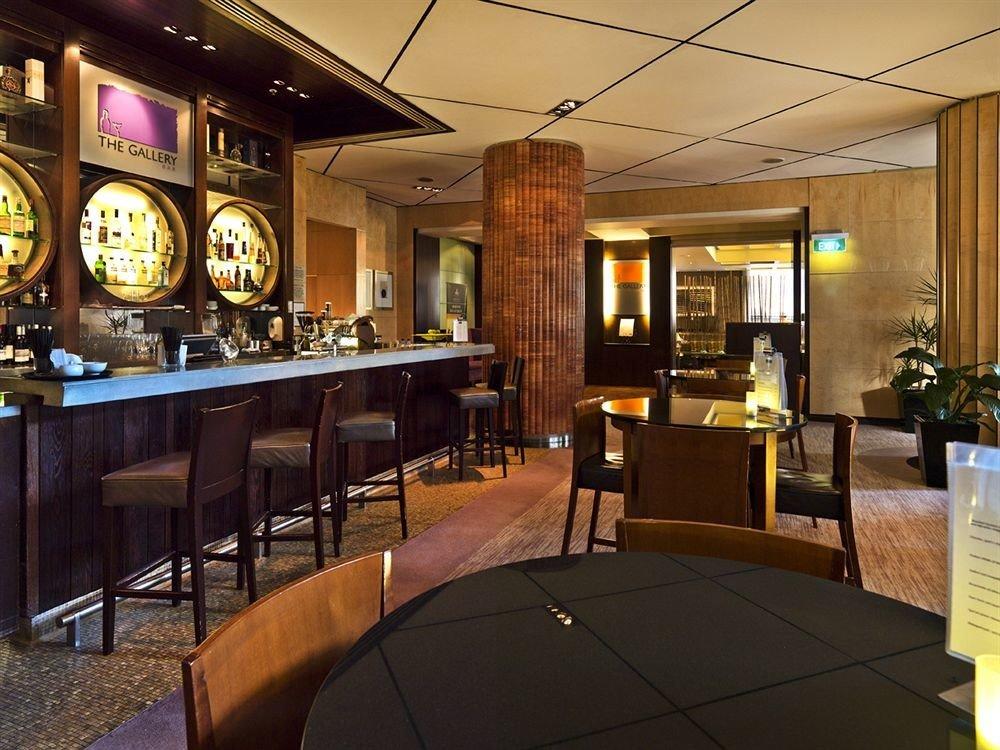 chair Lobby restaurant recreation room Bar café function hall