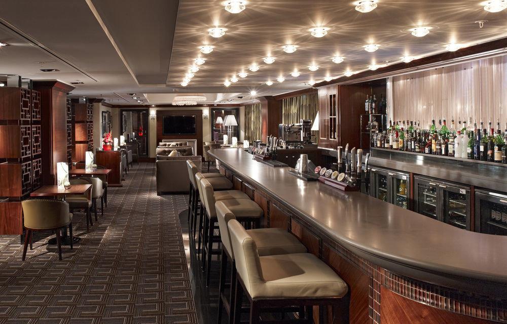 Bar restaurant Lobby café function hall convention center