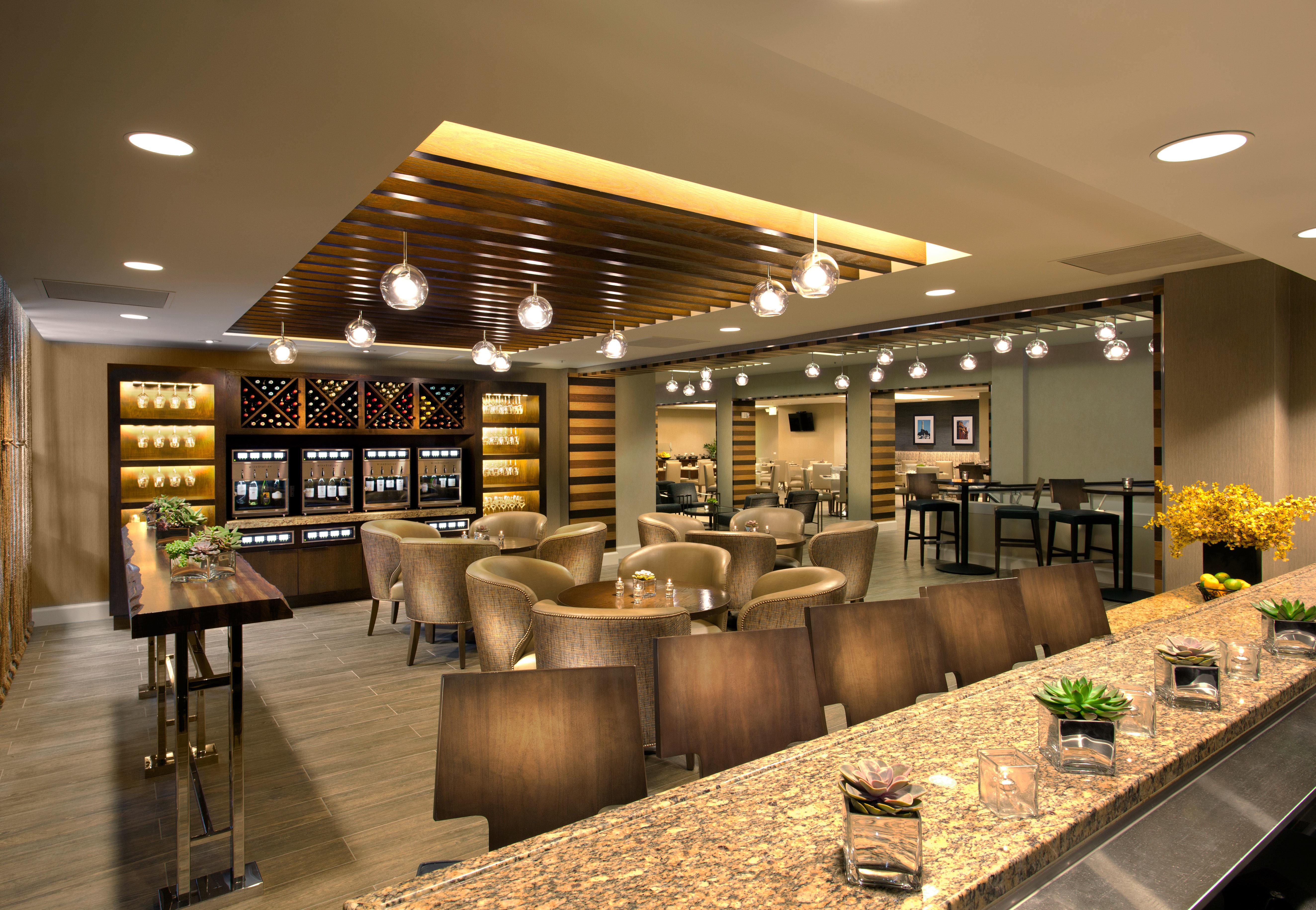 Lobby café restaurant cafeteria retail function hall food court convention center Bar fast food restaurant