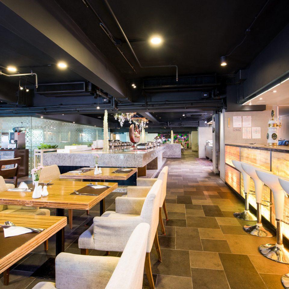 restaurant cafeteria function hall yacht food court convention center Lobby café Bar