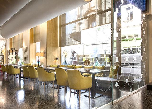 restaurant cafeteria Lobby Bar convention center
