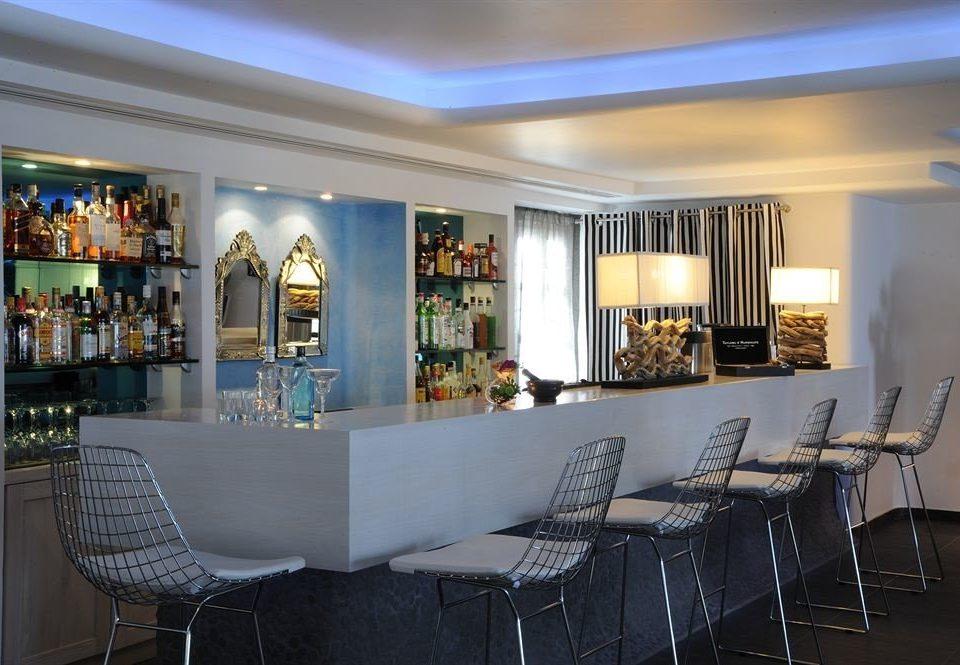 chair property restaurant Bar Lobby dining table