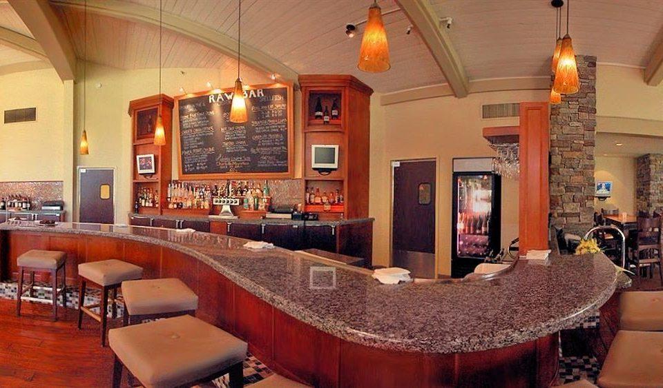 chair property restaurant Bar recreation room Lobby
