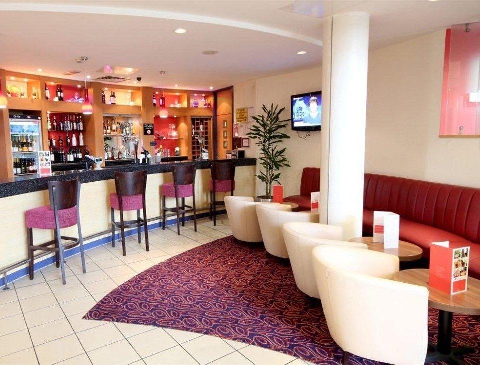 property Lobby restaurant Bar function hall condominium waiting room
