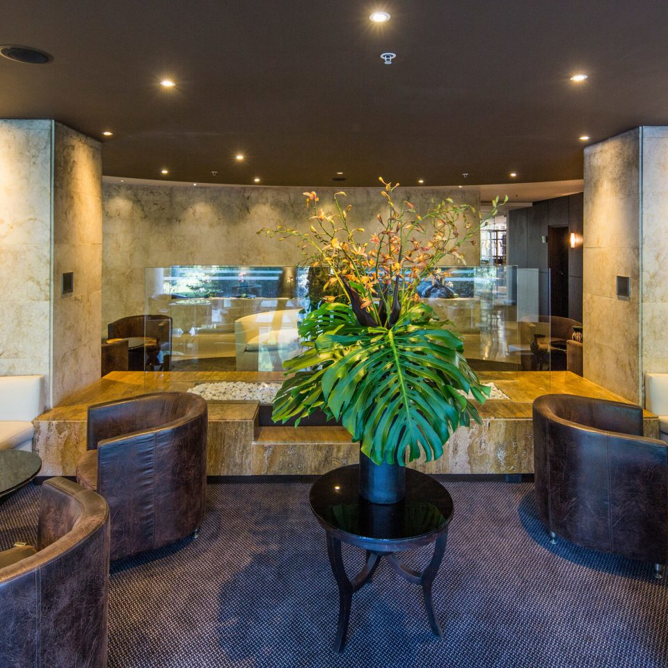 Lobby property restaurant living room home Bar condominium
