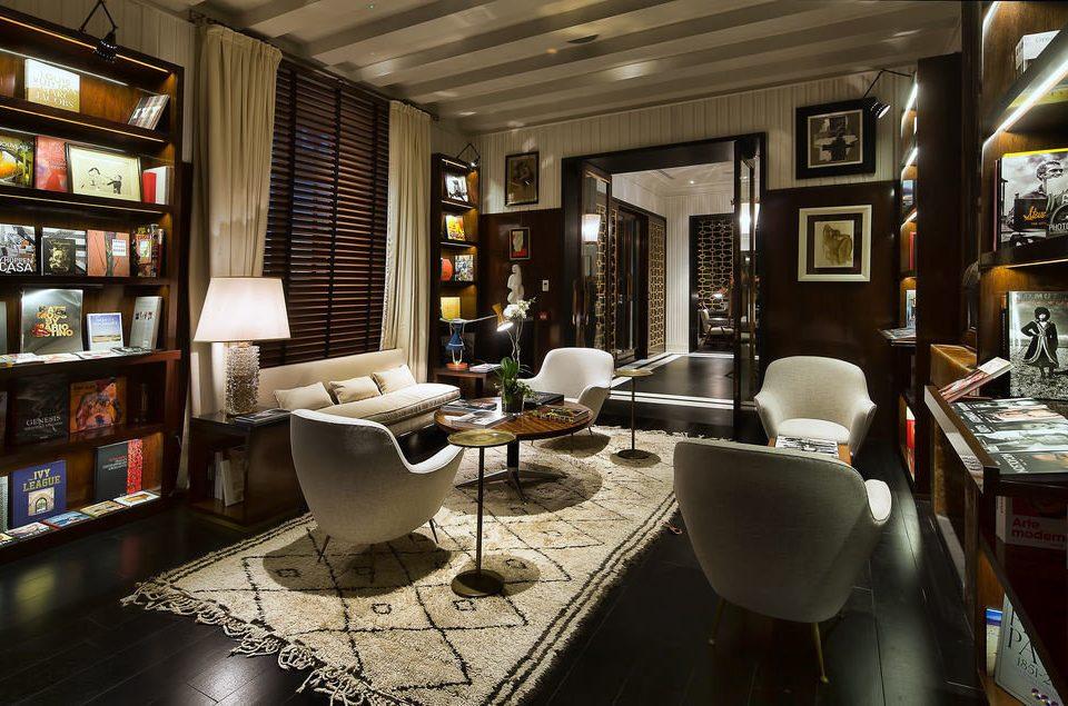 property living room home condominium restaurant Lobby Bar shelf