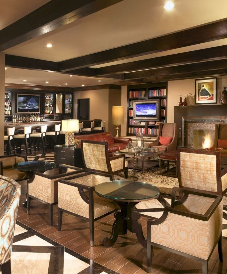 property recreation room living room home condominium Bar restaurant Lobby