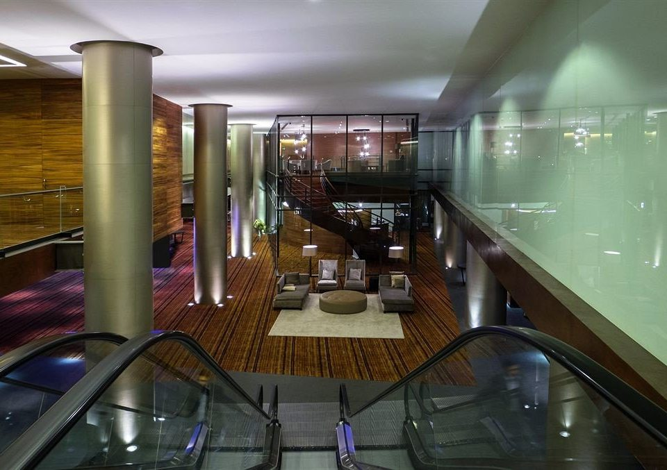 Lobby restaurant condominium Bar