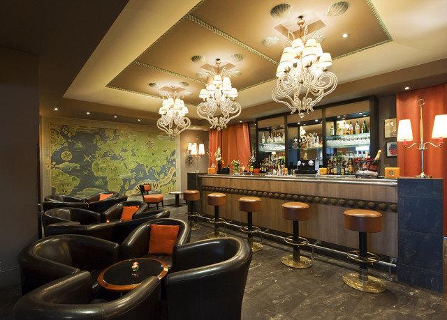 property Lobby restaurant Bar counter living room
