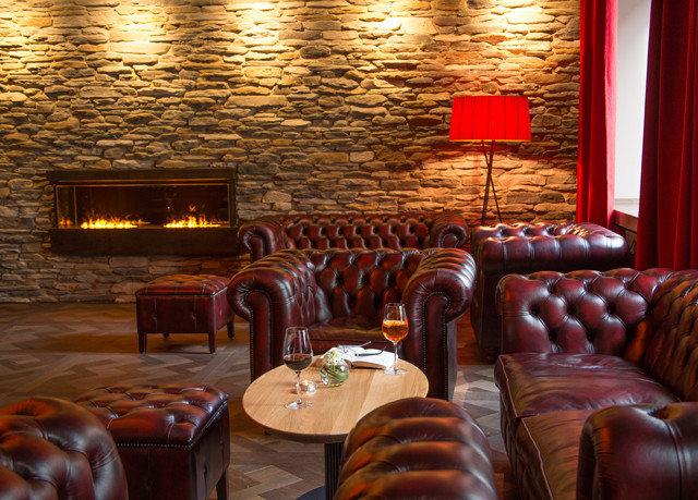 restaurant Bar function hall living room Lobby