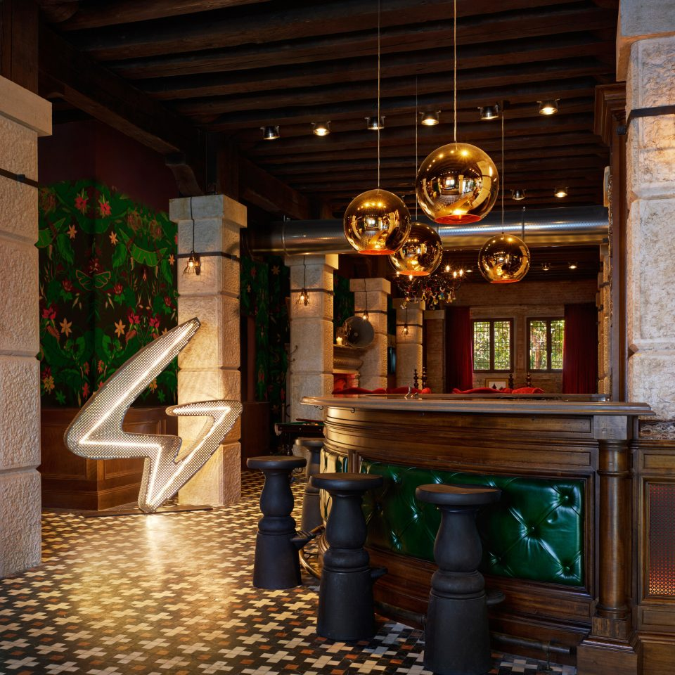 lighting Bar screenshot Lobby restaurant tourist attraction shrine mansion