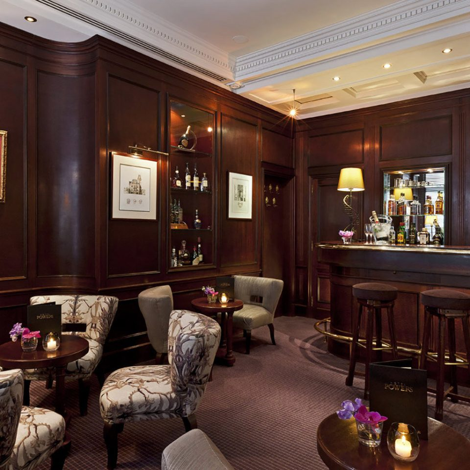 property Lobby living room Bar recreation room restaurant