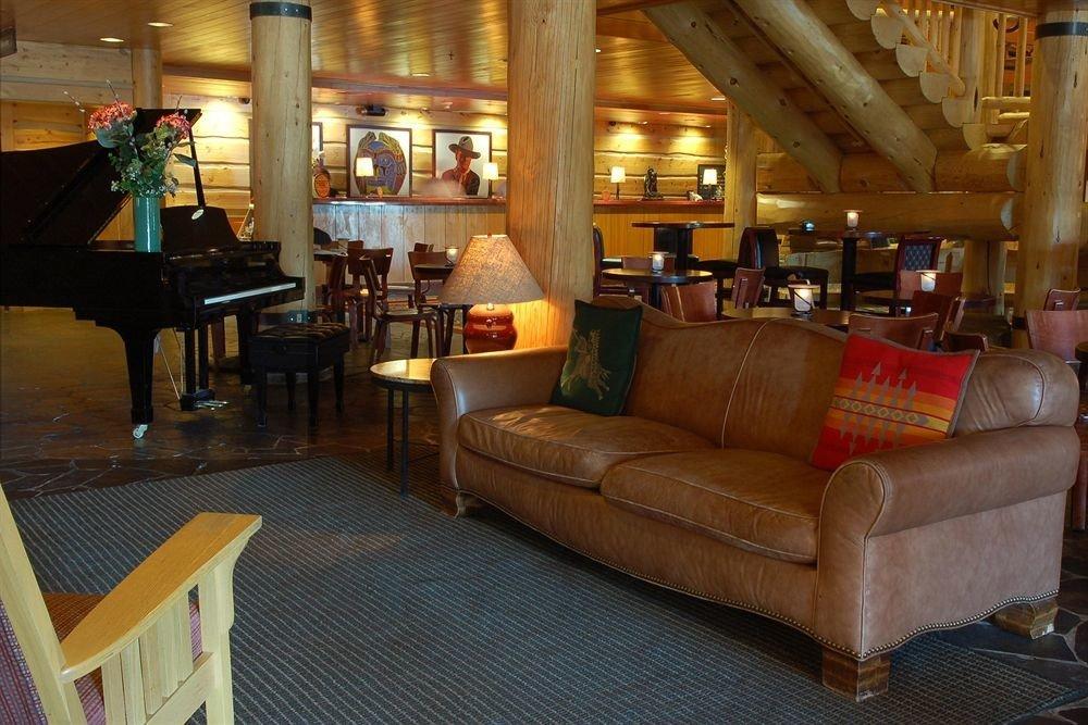 Lobby Lodge Lounge Rustic chair property living room restaurant Bar