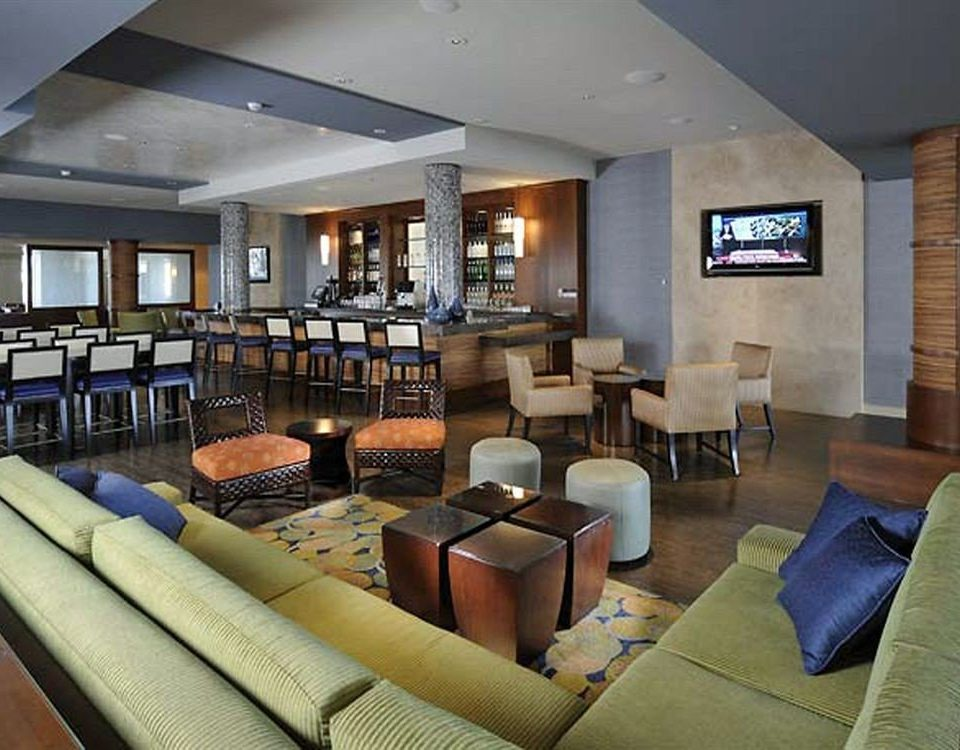 Bar Lounge Resort Waterfront property Lobby living room condominium convention center Suite restaurant