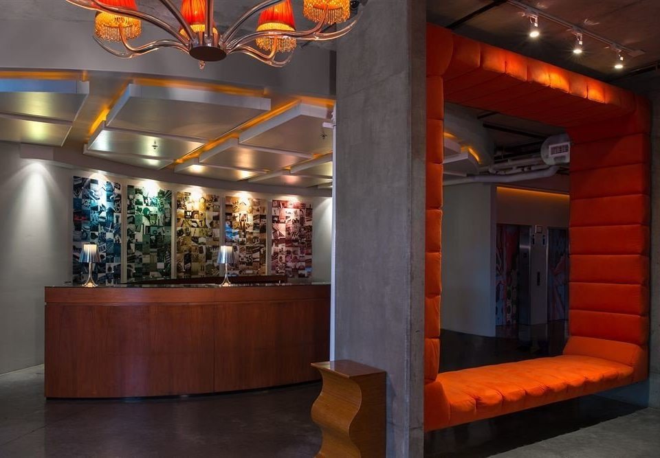 Lobby orange Bar
