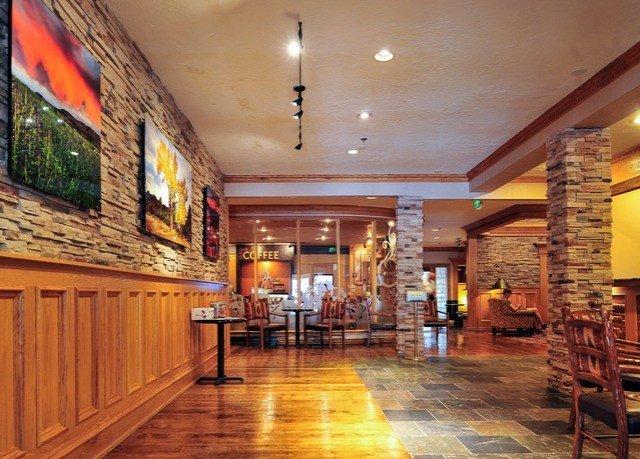 Lobby property restaurant Bar