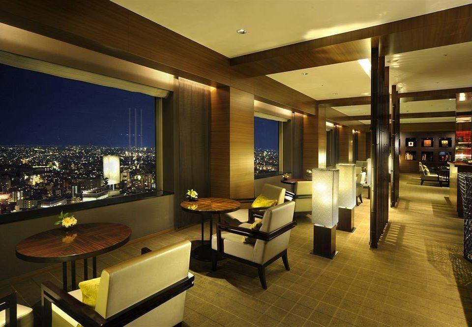 property Lobby condominium restaurant lighting Suite recreation room living room Resort Bar