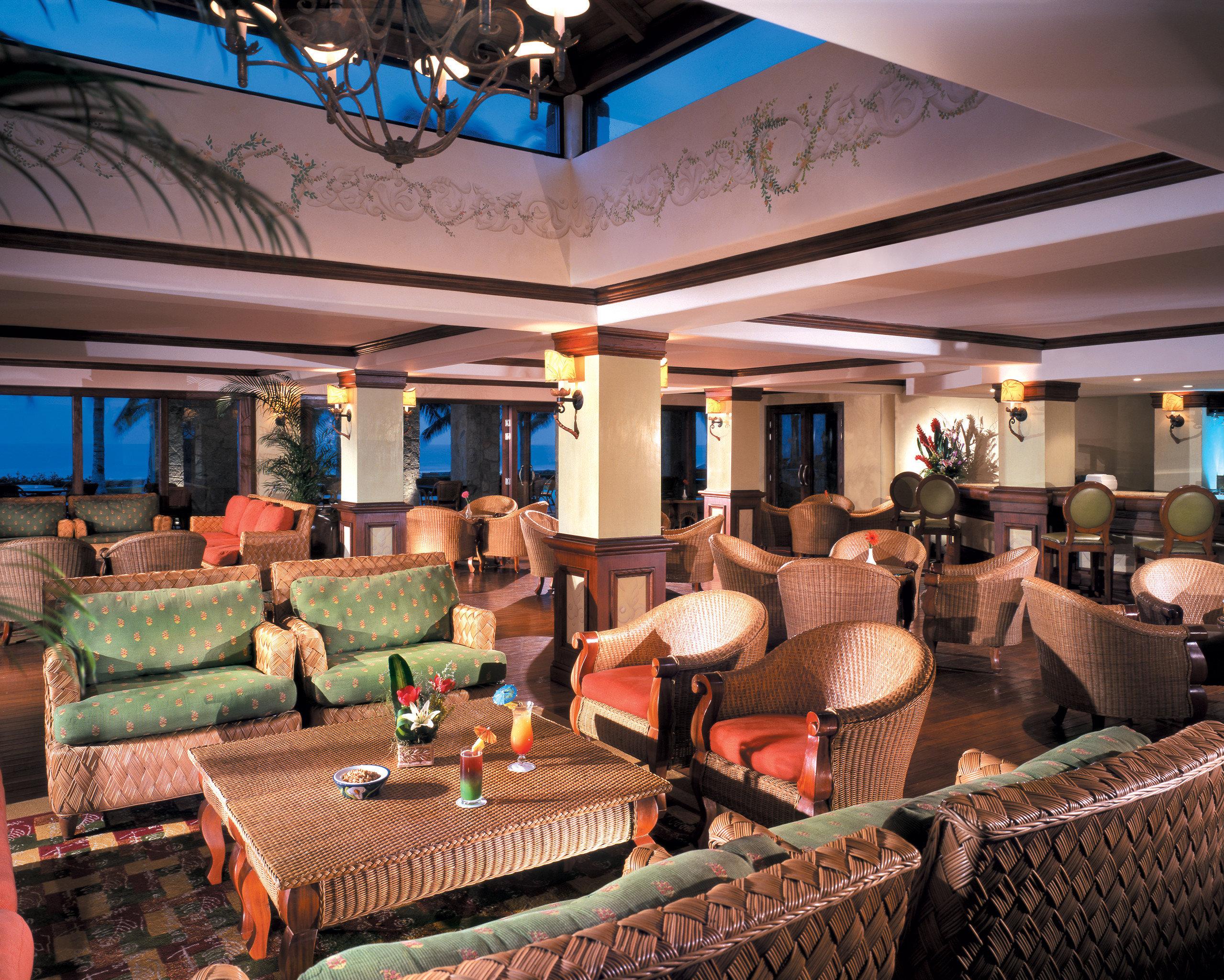 sofa property Resort Lobby recreation room restaurant function hall living room Bar Villa