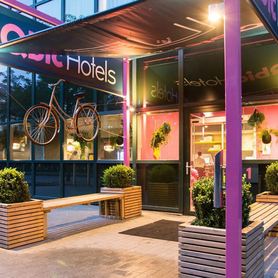 ground restaurant sidewalk Lobby Bar retail store Shop