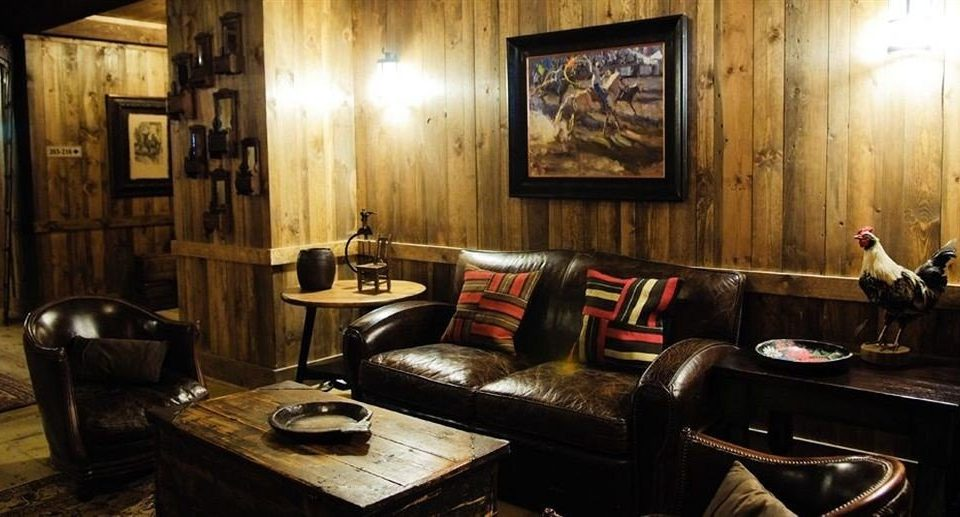 Lounge Ranch Resort restaurant Bar cottage tavern living room leather