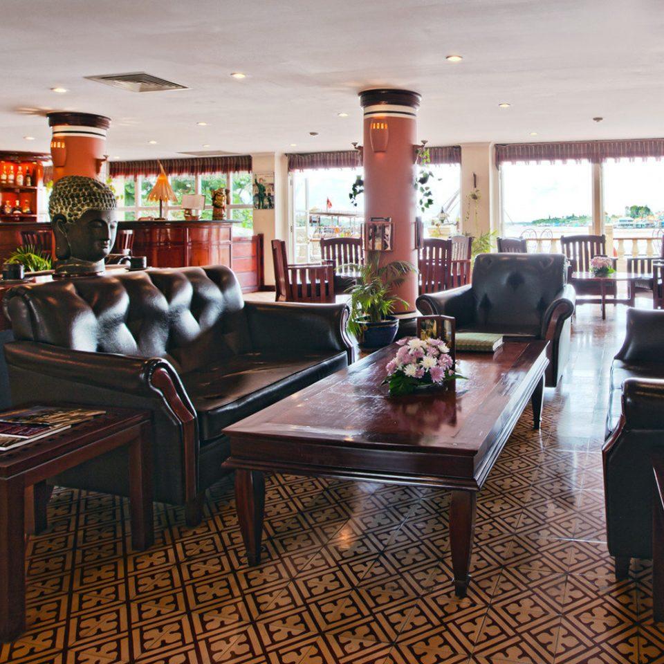 Lounge Tropical property restaurant Bar recreation room Resort