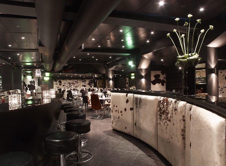 Bar restaurant nightclub