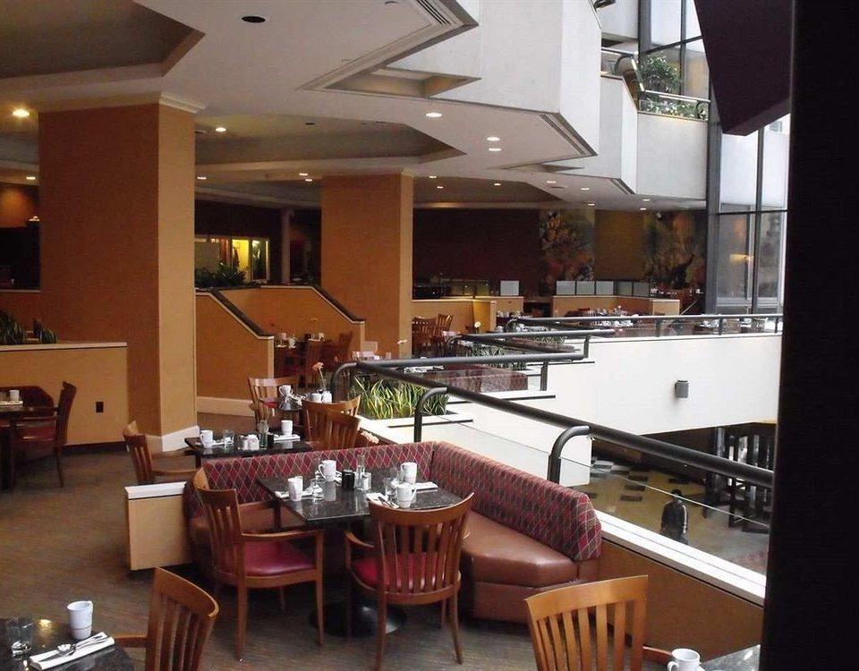 property restaurant Bar condominium cuisine Resort dining table