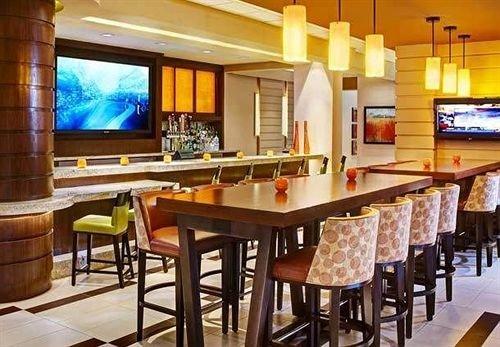 property Resort restaurant billiard room recreation room Bar function hall Suite Villa dining table