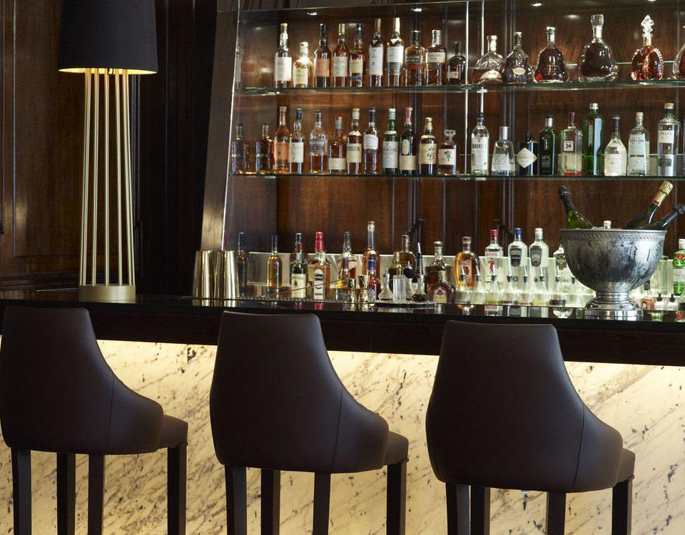 Bar shelf restaurant