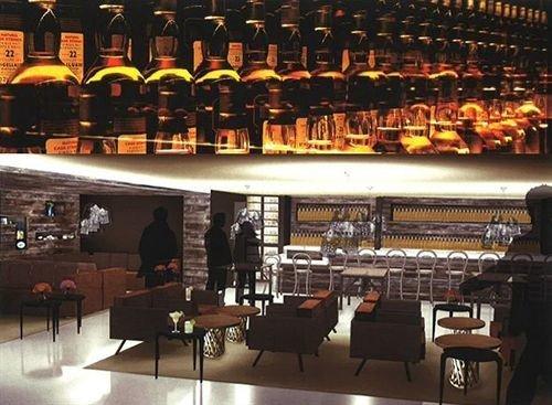 Bar restaurant shelf store