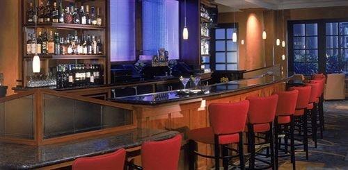 Bar restaurant shelf